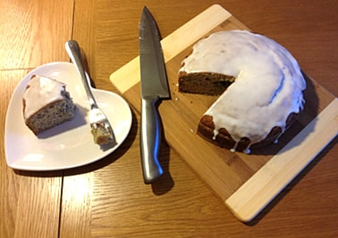 banana cake with lemon icing