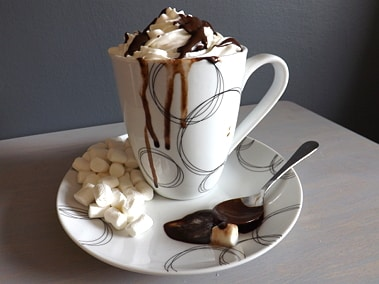 hot chocolate with all the trimmings