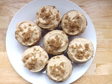 a plate of cola cupcakes