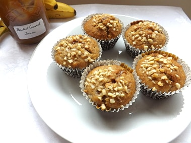 muffins with caramel sauce and bananas