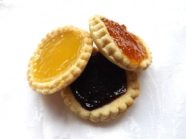 3 jam tarts piled up