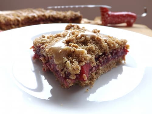 Blackberry and apple crumb bar