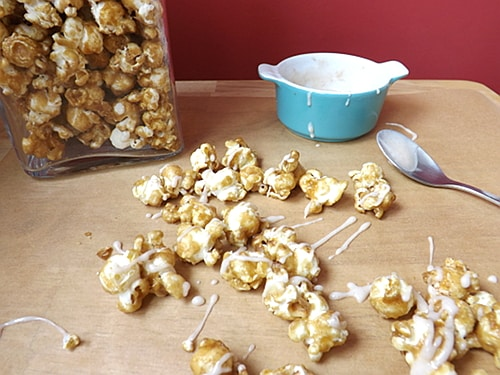 cinnabon popcorn drizzled with cinnamon glaze