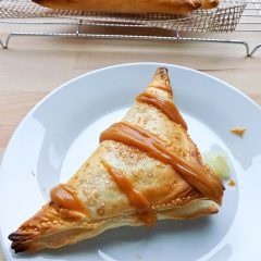 Quick & Easy Apple Turnovers