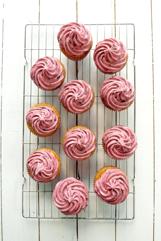 Blackberry and Applesauce Cupcakes