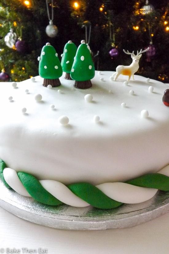 Last Minute Gluten Free Vegan Christmas Cake