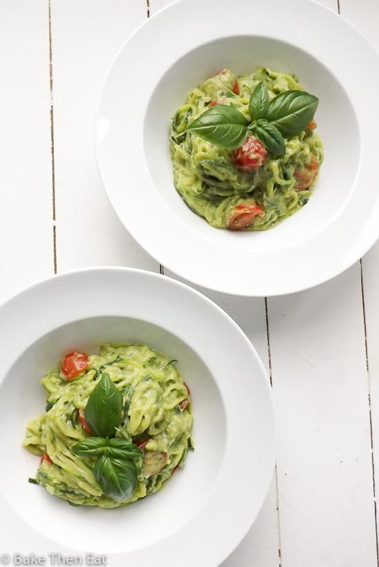 creamy avocado courgetti zoodles | BakeThenEat.com