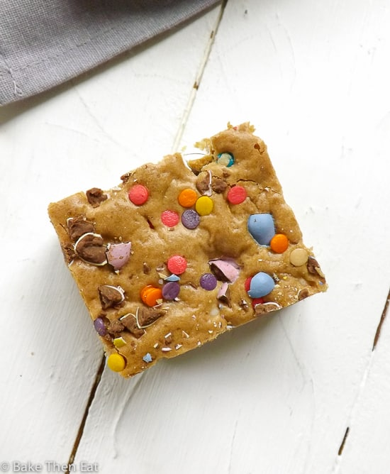 unfetti Mini Egg Easter Inspired Cookie Bars | BakeThenEat.com