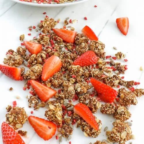 Homemade Peanut Butter Strawberry Granola | BakeThenEat.com