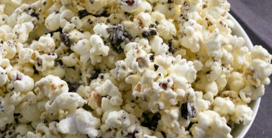 Homemade Cookies n Cream Popcorn