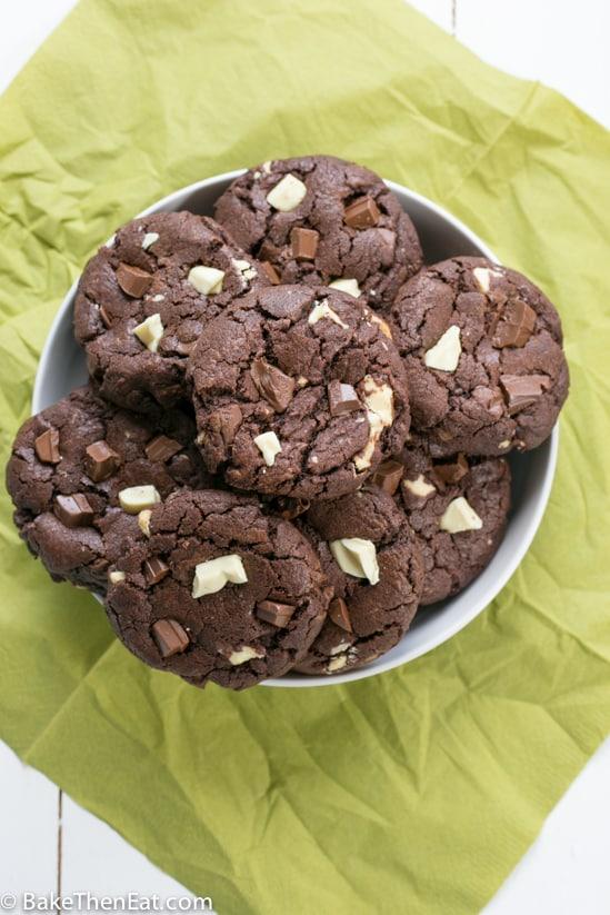 double chocolate chunk cookies | BakeThenEat.com